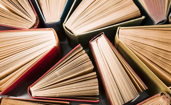 14 کتاب واجب تر از نان شب