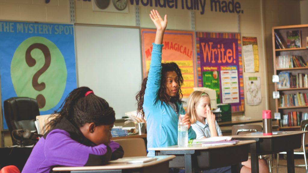 درونگرا و برونگرا در کلاس درس : توصیه هایی برای درخشش هر دانش آموز