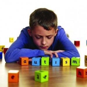 تشخیص اوتیسم : نشانه ها و تیم تخصصی تشخیص اوتیسم