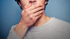 دست و صورت شما به هنگام گوش دادن، صحبت کردن و تصمیم گیری به چه حالتی است؟