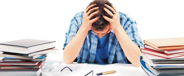 آیا کمال گرایی و اهمال کاری بر سلامت روان دانشجویان تاثیر دارد؟ (مطالعه موردی)