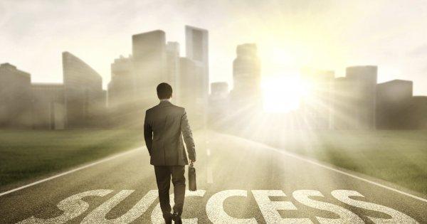به چه میزان با موفقیت و جنبه های آن آشنایی دارید؟ (موفقیت فردی و اجتماعی)